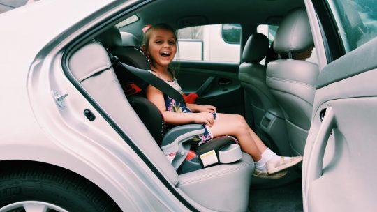 Comment faire partager sa passion pour les voitures à ses enfants ?